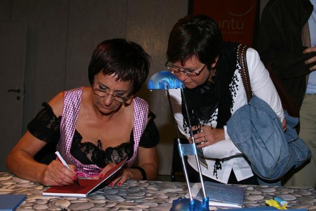 LesungFranziska2011-06-01_13