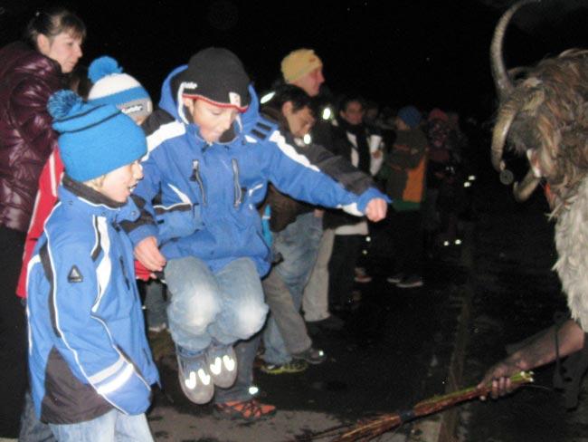 Krampus2011-12-05_35F