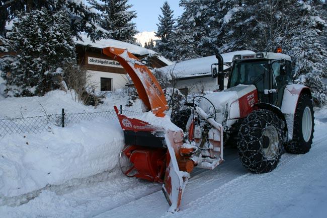 Traktorschneefraese2009-02-18