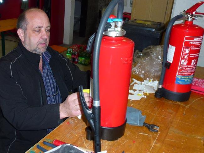 Feuerloescher2012-04-21_06
