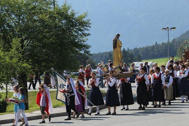 Herz-Jesu-Prozession2012-15