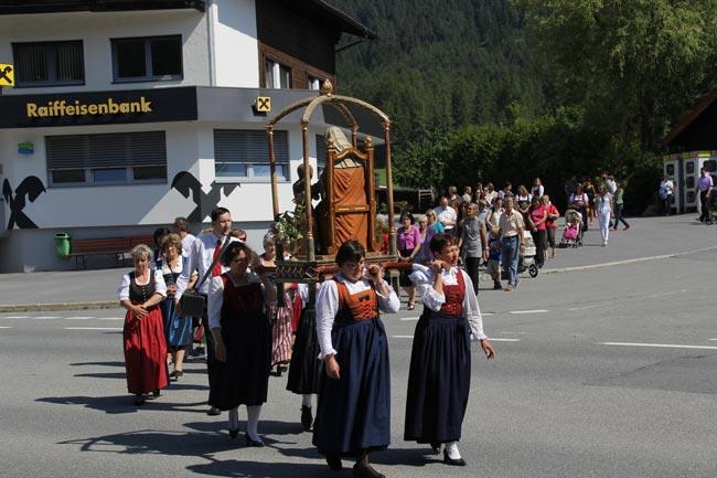 Herz-Jesu-Prozession2012-37