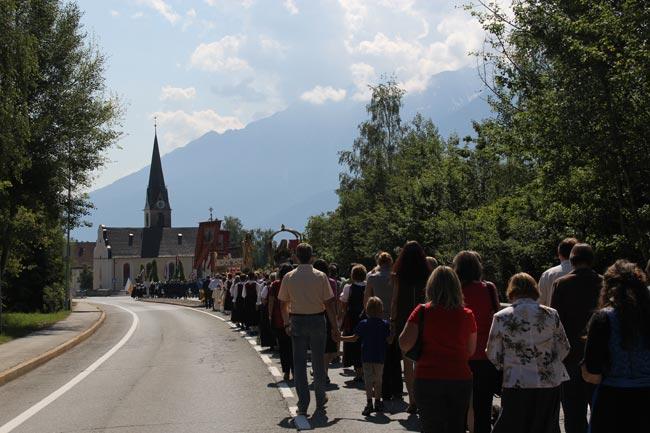 Herz-Jesu-Prozession2012-39