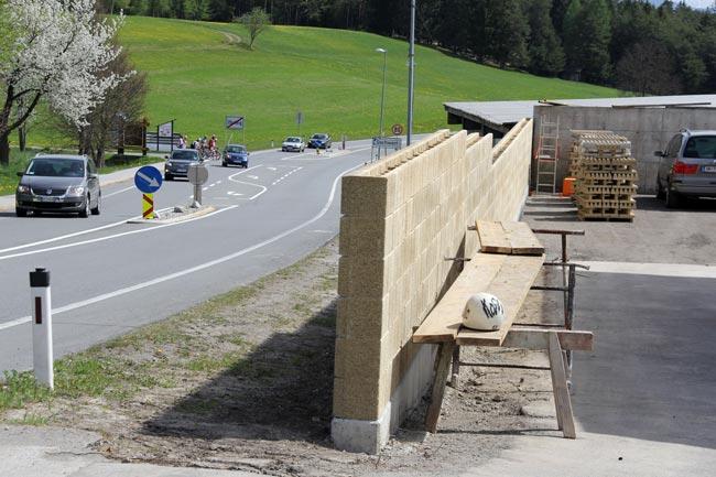 Laermschutzwand2012-04-29_03