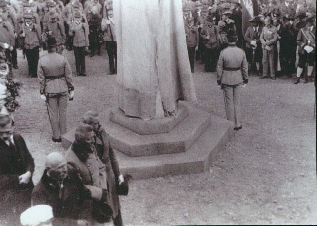 KriegerdenkmalEinweihung1923
