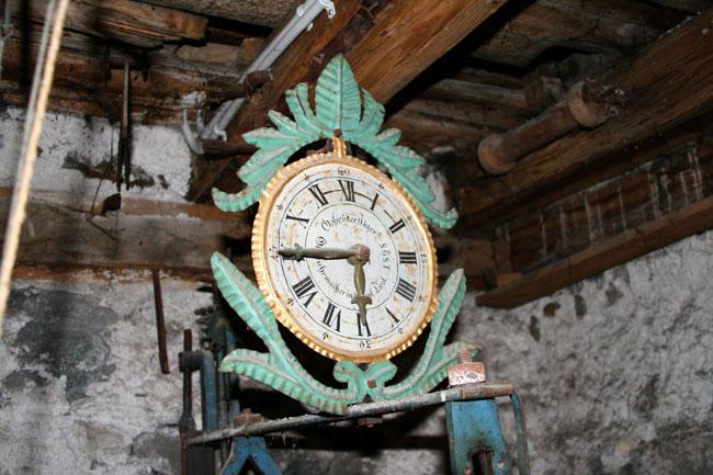 UhrwerkKirchenturm2011-04-29 2
